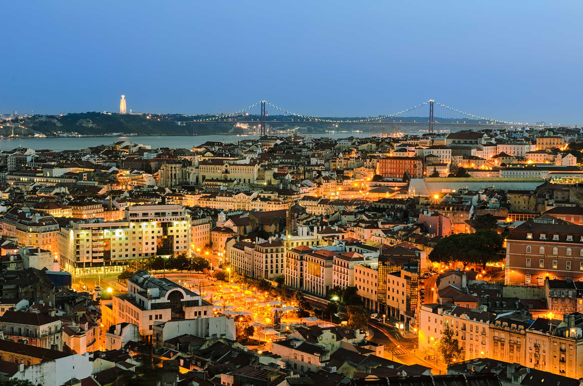 Tour Lisbon by night by Specialimo