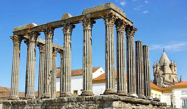 Visit the Roman Temple of Diana - Specialimo